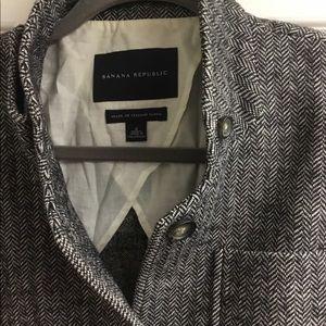 Banana Republic Jackets & Coats - Banana Republic Italian fabric blazer size 4